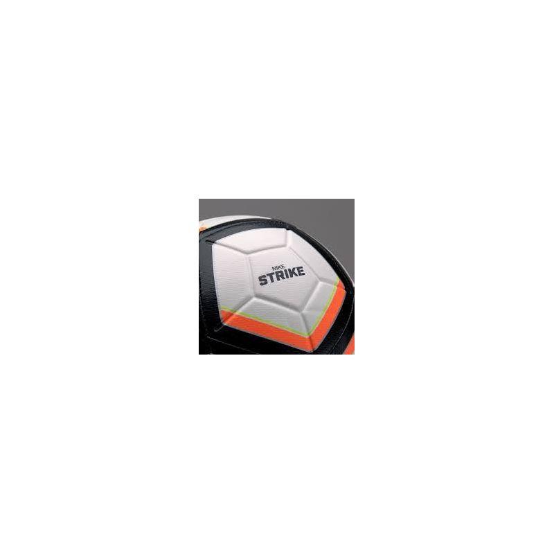 Nike Strike Aerow Trac - futbalová lopta Black-White + darček z nášho obchodu grátis!
