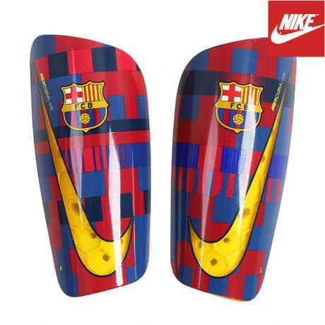 a558a1575e7a7 Nike SP2155-610 Mercurial Lite futbalové chrániče + darček vak na ...