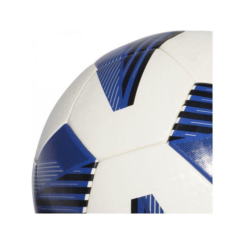 Futbalová lopta na umelú trávu Adidas Tiro + darček oonožky Kappa !