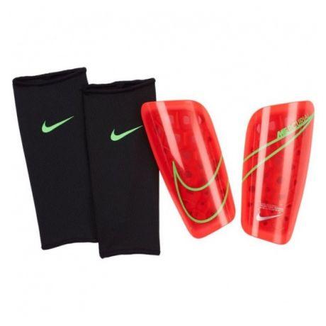 Futbalové chrániče Nike Mercurial Lite + darček z nášho obchodu!